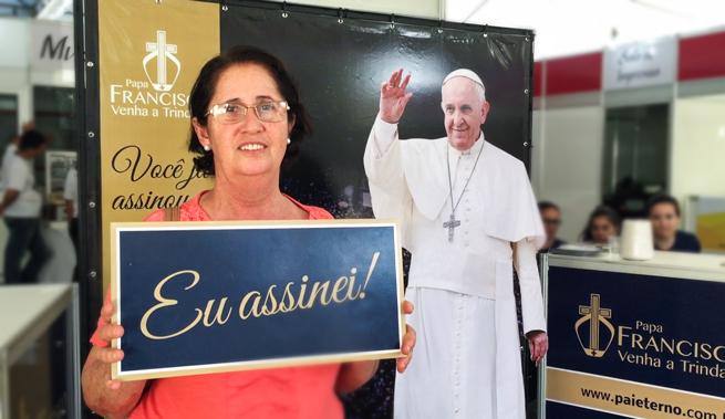 DESTAQUE_ASSINATURA_PAPA_2016_06_26_005